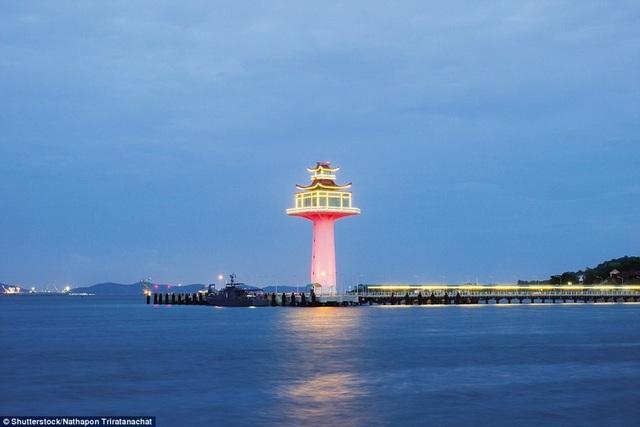 Những ngọn hải đăng độc lạ và ấn tượng nhất thế giới - 4