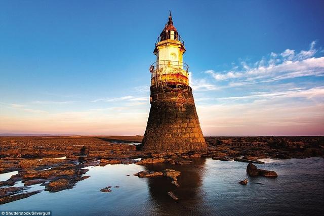 Những ngọn hải đăng độc lạ và ấn tượng nhất thế giới - 5