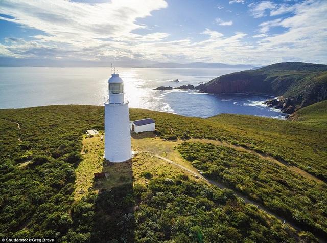 Những ngọn hải đăng độc lạ và ấn tượng nhất thế giới - 7