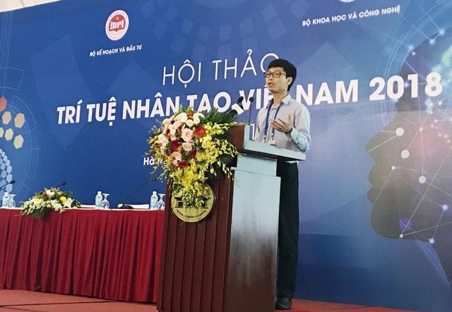 """TS. Lê Viết Quốc phát biểu, giao lưu tại buổi hội thảo AI Việt Nam 2018"""""""