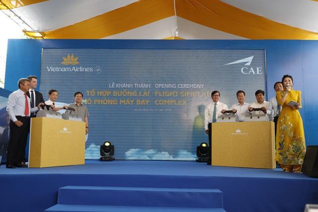 Lễ khai trương Tổ hợp buồng lái mô phỏng máy bay