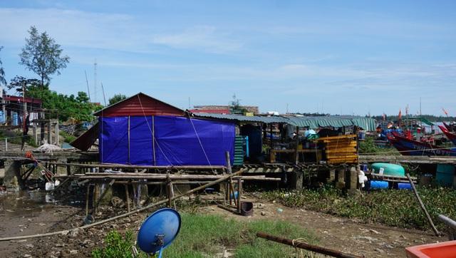 Xã chia lô trên sông cho dân thuê, xây dựng trái phép - 2