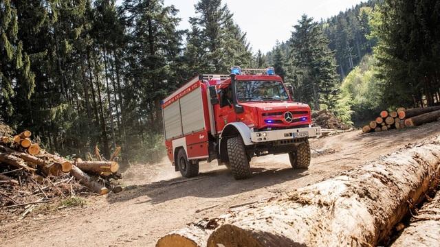 Chiếc xe cứu hỏa đặc biệt nhất thế giới - 1