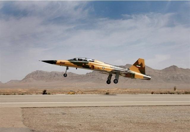 Kowsar là máy bay chiến đấu đầu tiên do Iran tự chế tạo (Ảnh: Reuters)