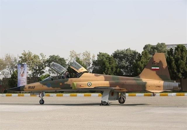 Iran chế tạo 2 phiên bản của máy bay chiến đấu Kowsar (Ảnh: Reuters)