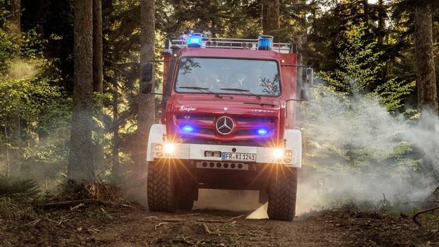 Chiếc xe cứu hỏa đặc biệt nhất thế giới - 2