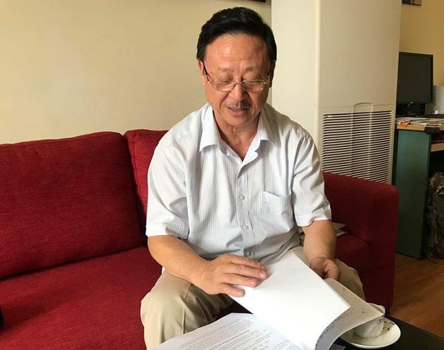 Ông Vương Duy Bảo, cháu nội Vua Mèo Vương Chí Sình kể về cuộc sống giản dị của ông nội (Ảnh: Trần Thanh).