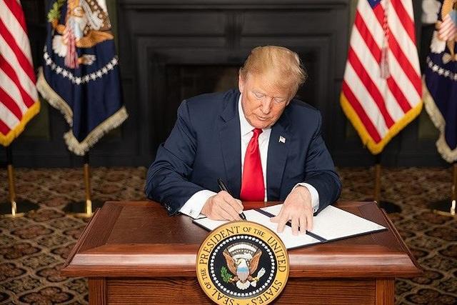Mỹ đã tái áp dụng các biện pháp trừng phạt Iran