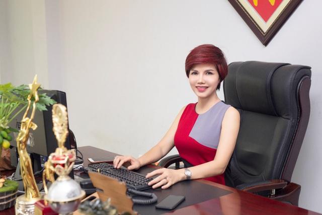 Từ giảng viên ngành thời trang đến CEO Nefertiti Fashion: Con đường khẳng định bản lĩnh của người phụ nữ Việt - 2