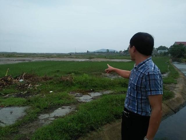 Rất nhiều diện tích đất không thể trồng trọt được phải bỏ hoang.