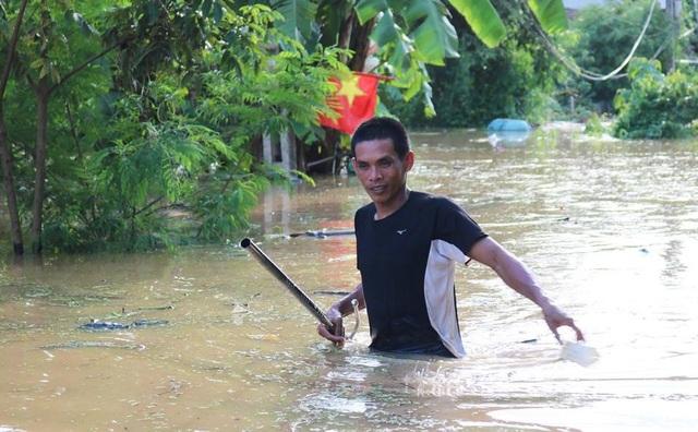 Nhiều vùng ở Nghệ An vẫn mênh mông nước lũ - 5