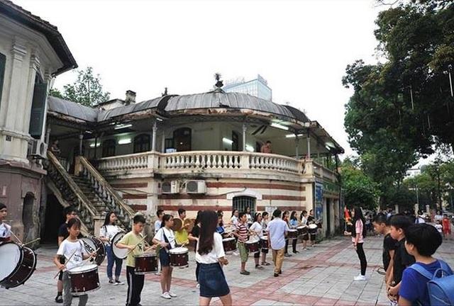 Toà nhà kiến trúc Pháp trong cung Thiếu nhi bị đề nghị thu hồi. Ảnh: Tiền Phong.
