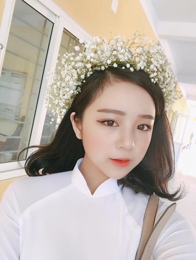 Thủy Tiên còn được biết đến nhiều hơn khi góp mặt trong dàn hot girl cổ vũ cho World Cup 2018. Hình ảnh Thủy Tiên trong trang phục đại diện cho đội tuyển Nhật Bản được chia sẻ rầm rộ trên các trang mạng.
