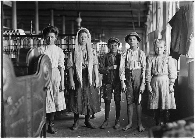 Vào những năm đầu của cuộc Cách mạng Công nghiệp, lao động trẻ em trở thành một vấn đề gây nhức nhối.