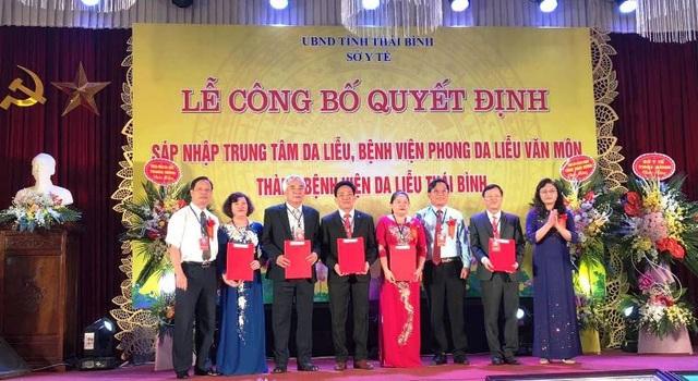 Sở Y tế Thái Bình tổ chức lễ công bố quyết định sáp nhập Trung tâm Da liễu và Bệnh viện Phong Da liễu Văn Môn thành Bệnh viện Da liễu Thái Bình.