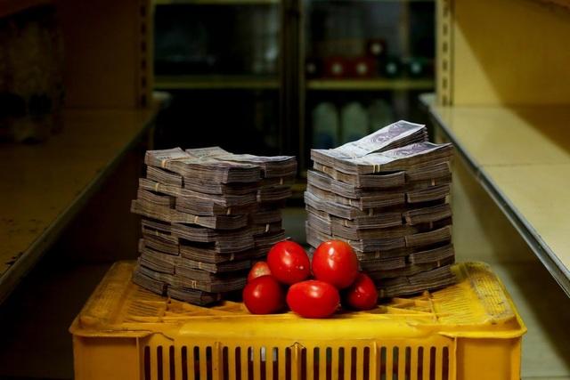 Một kg cà chua có giá 5 triệu Bolivar (vào khoảng 0,76 USD). (Nguồn: Reuters)