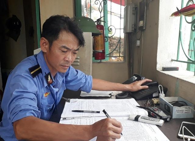 Anh Thái Văn Thành đã chạy hàng trăm mét trên đường ray để báo cho tàu dừng lại
