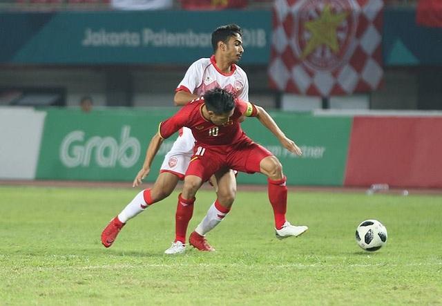Hàng thủ Bahrain dành sự quan tâm đặc biệt đến Văn Quyết