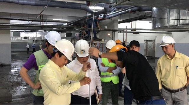 Đoàn công tác Cục Giám định Nhà nước về chất lượng công trình xây dựng - Bộ Xây dựng cùng Viện Khoa học Công nghệ & Xây dựng- Bộ Xây dựng đã bắt đầu công tác kiểm định kết cấu chung cư Carina