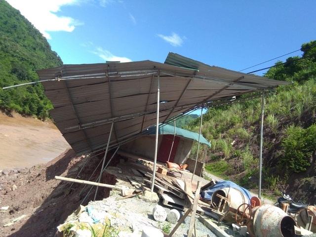 Khu vực nhà ăn của học sinh Mỹ Lý hư hỏng sau đợt mưa lũ và hiện đã được khắc phục.