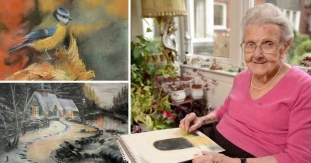 Những bức tranh của cụ bà khiến nhiều người trầm trồ ngưỡng mộ