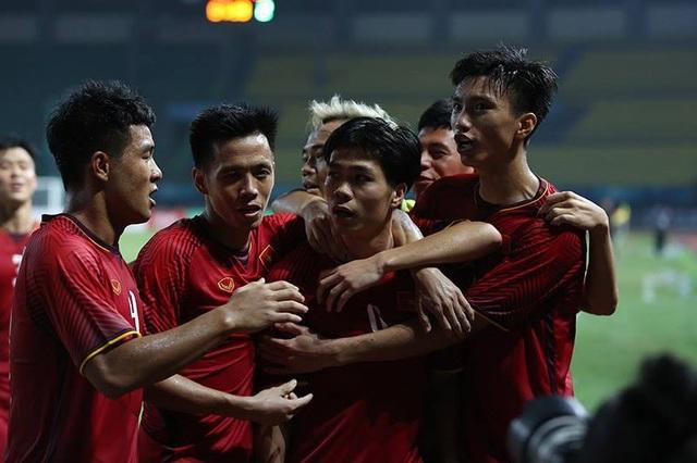 Olympic Việt Nam 1-0 Olympic Bahrain: Công Phượng lập công - 1