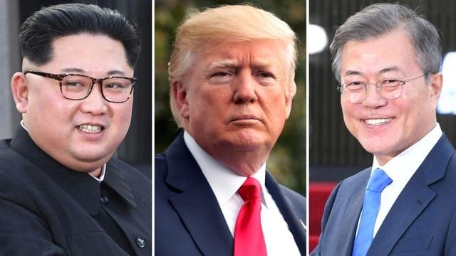 Từ trái qua phải: Nhà lãnh đạo Kim Jong-un, Tổng thống Donald Trump và Tổng thống Moon Jae in (Ảnh: Sky)