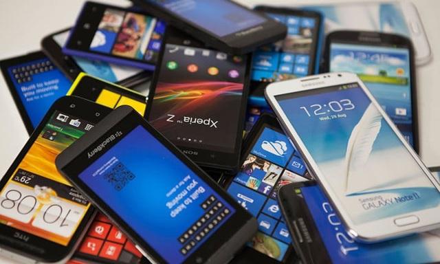 Việc có quá nhiều smartphone ở các phân khúc giá khác nhau, kèm theo ưu đãi và phân phối rộng rãi càng làm tăng thêm tỷ lệ người nghiện smartphone.