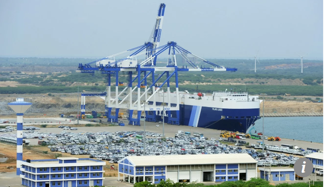 Cảng Hambantota của Sri Lanka được Trung Quốc thuê lại để trừ nợ (Ảnh: AFP)