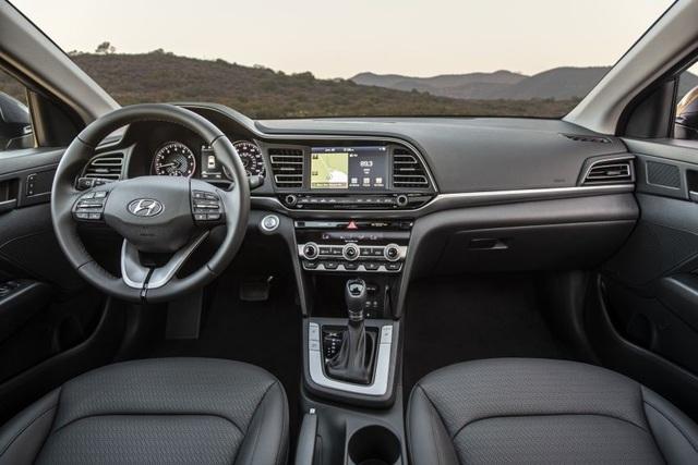 Hyundai nâng cấp Elantra, thêm nhiều trang bị - 3