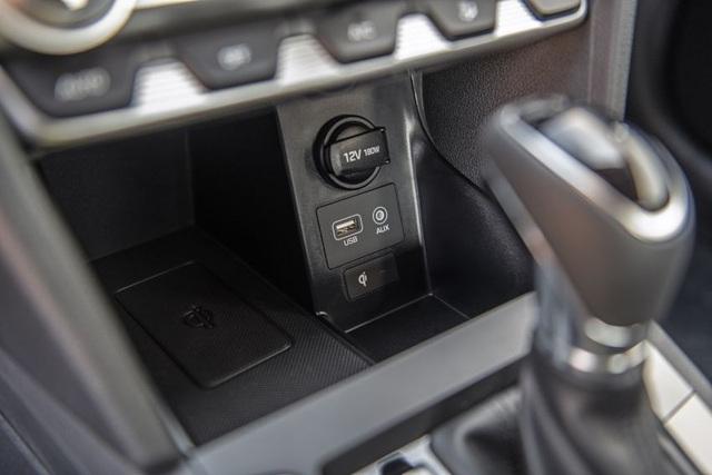 Hyundai nâng cấp Elantra, thêm nhiều trang bị - 18