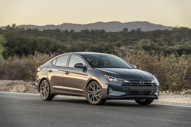 Hyundai nâng cấp Elantra, thêm nhiều trang bị - 5