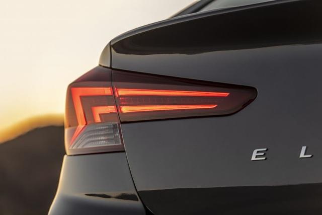 Hyundai nâng cấp Elantra, thêm nhiều trang bị - 9
