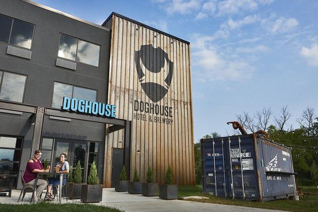 Khách sạn bia DogHouse