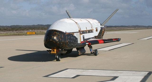 Máy bay vũ trụ X-37B của Không quân Mỹ (Ảnh: AP)