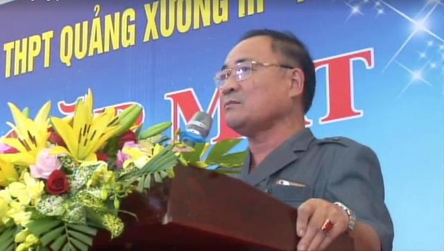 Nhà giáo Ưu tú Hoàng Văn Huân - Hiệu trưởng Trường THPT Chu Văn An phát biểu tại buổi lễ gặp mặt.