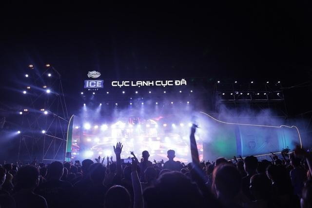 Sự kiện ra mắt sản phẩm Huda Ice Blast tại Lễ hội Bia Quốc tế trong khuôn khổ Festival Huế 2018 thu hút sự có mặt của hàng ngàn người dân và du khách