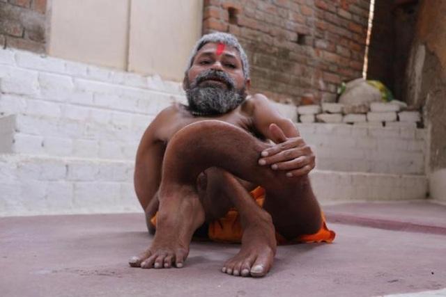 Cư dân trong vùng và những khu lân cận tin Bharti là một vị thần tái sinh