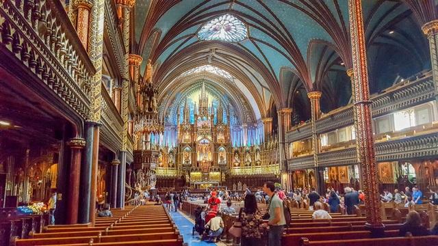 """Mãn nhãn """"bản giao hưởng"""" ánh sáng bên trong thánh đường hàng trăm tuổi - 2"""