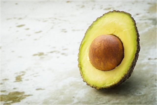 Trẻ hóa làn da với 10 thực phẩm dễ tìm - 1