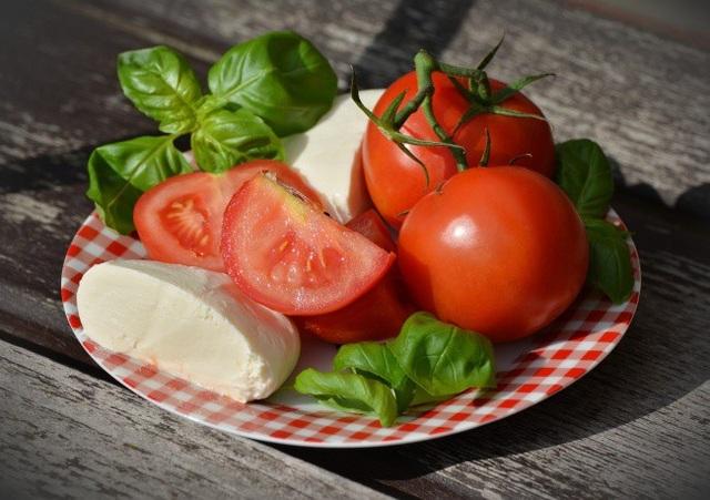 Trẻ hóa làn da với 10 thực phẩm dễ tìm - 8