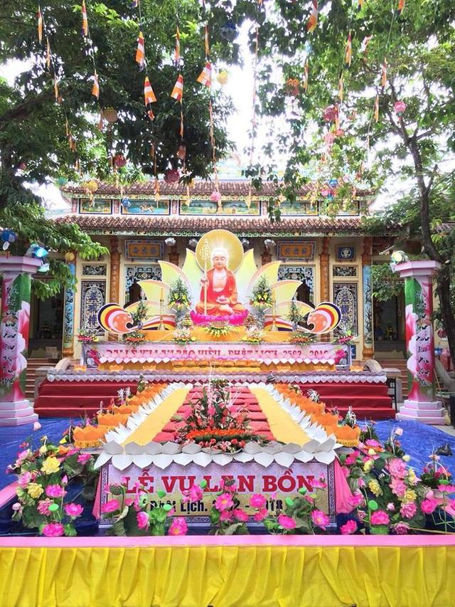 Lễ Vu Lan được xem là đại lễ ở Huế, chỉ xếp sau Phật Đản