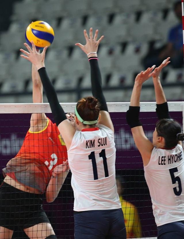 Tuy nhiên, đội bóng chuyền nữ Việt Nam thất bại trước Hàn Quốc quá mạnh