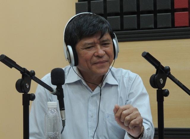 Ông Nguyễn Văn Hiếu - Phó GĐ Sở GD-ĐT TPHCM yêu cầu các trường, giáo viên không được bắt học sinh phải có đầy đủ sách ngay.