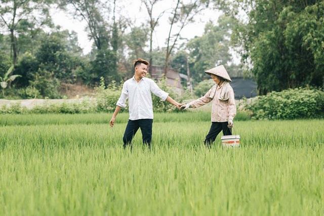 """9X """"khoe"""" bộ ảnh tình cảm bên người mẹ nông dân ngày Vu Lan - 10"""