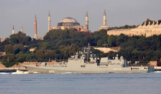 Các tàu của Hải quân Nga được điều động tới cảng Tartus giữa lúc quân đội Syria đang chuẩn bị cho các trận đánh lớn tại các tỉnh Latakia, Hama và Idlib.