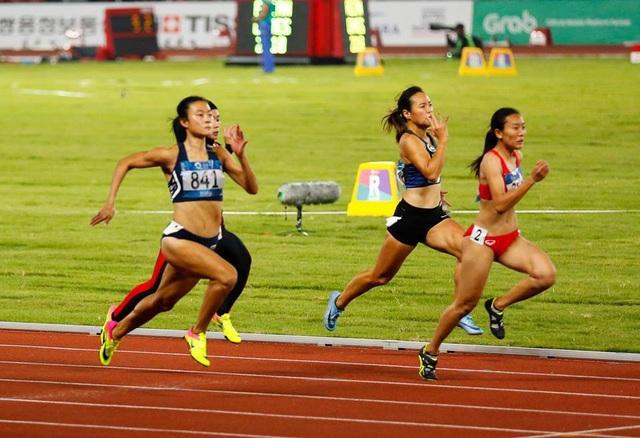 Tú Chinh (841) chơi xuất sắc để giành quyền vào bán kết chạy 100m nữ