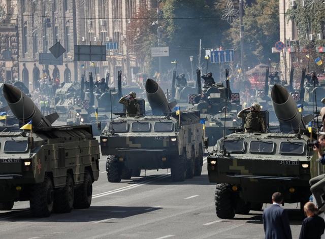 Hệ thống tên lửa di động của Ukraine (Ảnh: Reuters)