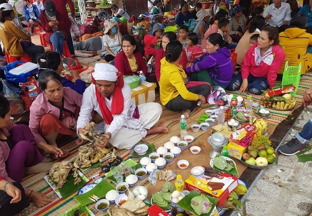 Vẻ đẹp đồng bào Chăm qua lễ hội bên cửa sông Cái Nha Trang - 8