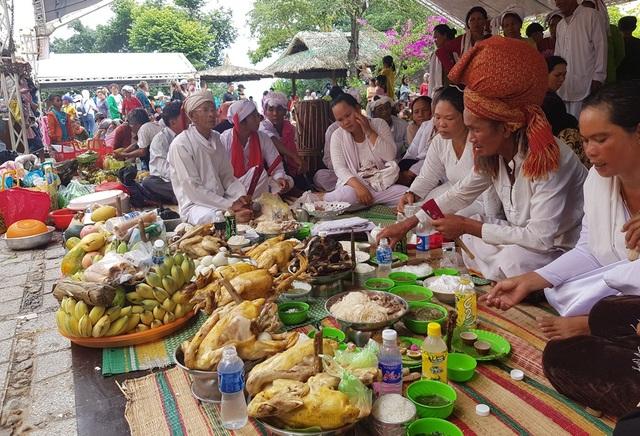 Vẻ đẹp đồng bào Chăm qua lễ hội bên cửa sông Cái Nha Trang - 6